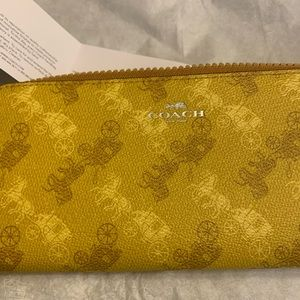 Coach Horse & Carriage Yellow Wallet NWT